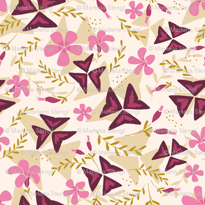 Purple Shamrock Floral Layered / Cream
