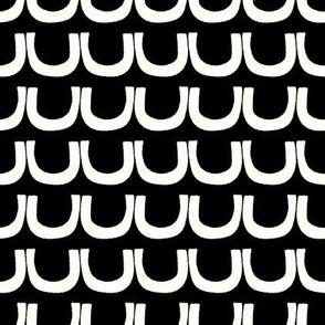 curve stripe in black and white