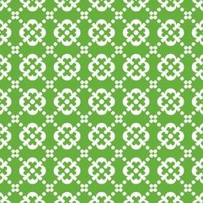 Scandinavian Retro White Flowers on Green