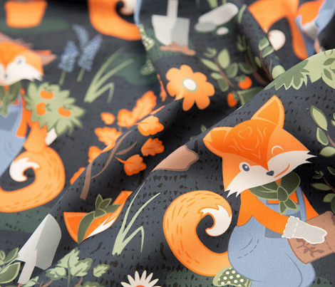 The foxy gardener // normal scale // orange foxes