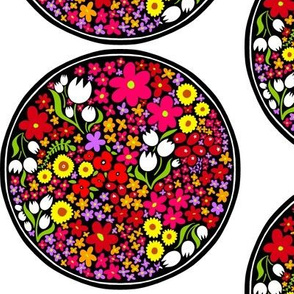 Circle of Bright Flowers 1