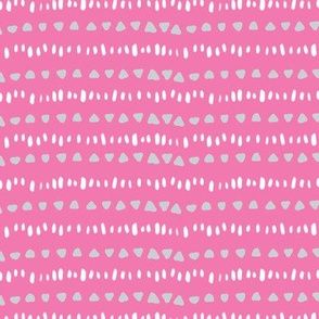 Triangle and dash stripe on pink