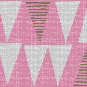 pink triangles-jumbo-fanciful fifties flowers coordinate
