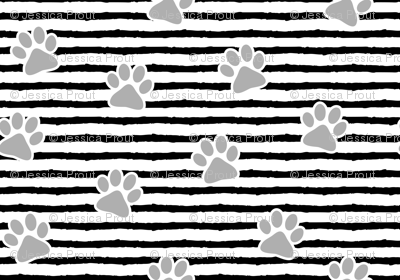 paws on stripes (grey)
