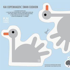 Cut and sew - Swan cushion
