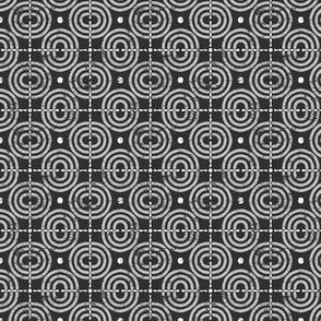 Trois Arcs Tile I in Ebony