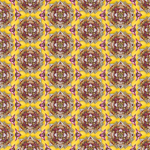 Medallion halfdrop gold and pink