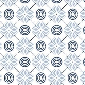 Trois Arcs Tile II in China Blue