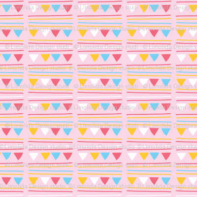 Triangle Party Bunting Garland Seamless Vector Pattern