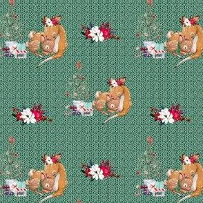"4"" Mama and Baby Deer Christmas - White Dots on Green"