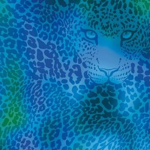 Leopard goes under water