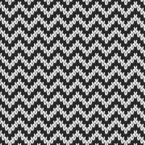 Knitted Chevron for Christmas Black & White, Small