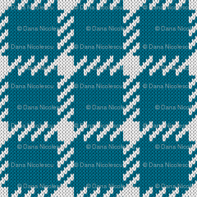 Simple grid knitted plaid in blue Small