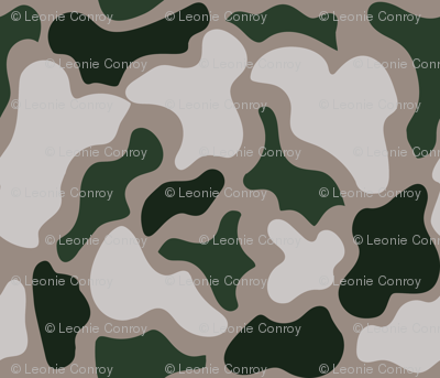 PLAYFUL PUZZLE CAMO GREEN AND SAND