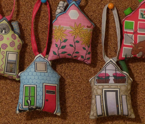 adk little house ornaments