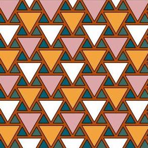 08138326 : triangle 2to1 : cozy