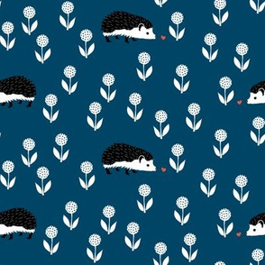 Hedgehog Finds Love (indigo)