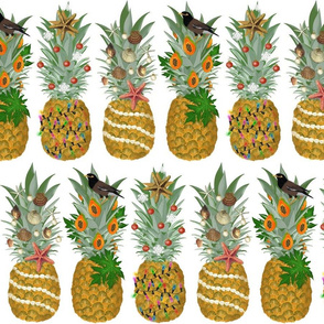 Pineapple Holiday Tree small scale
