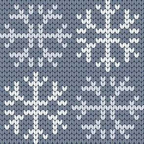 08210698 : knitted snow