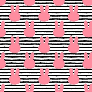 "(1.5"" scale) bunny on stripe 