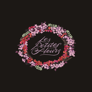 Les Petites Fleurs Wreath – Dark