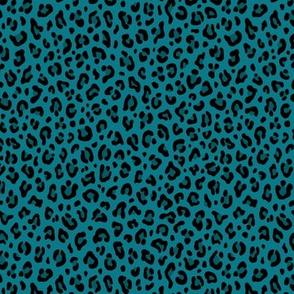 ★ LEOPARD PRINT in TEAL BLUE ★ Tiny Scale / Collection : Leopard spots – Punk Rock Animal Print