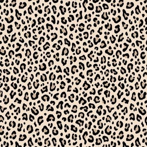 ★ BLACK and WHITE LEOPARD - LEOPARD PRINT in ECRU ★ Tiny Scale / Collection : Leopard spots – Punk Rock Animal Print