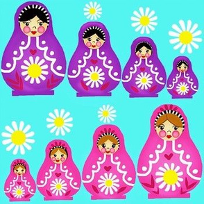 Russian Nesting Dolls & Daisies  / Matryoshka