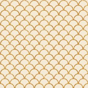 Scallop Gold Glitter