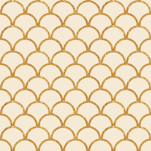 Scallop Gold Glitter Medium