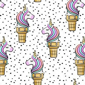 Unicorn Cones - Unicone - black  polka - LAD19