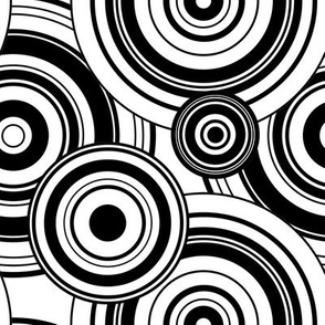 Max Crazy Circles ~ Black & White