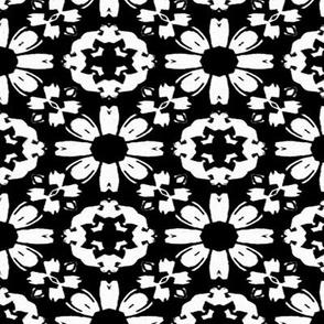 Monochrome Daisy