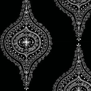 Moroccan White on Black