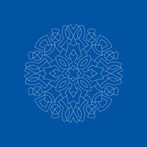 M07 embroidery medallion wht on blue pt8