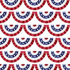 Flag Banner Scallops - White - LAD19