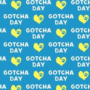 Gotcha day - paw & heart - yellow on blue - LAD19