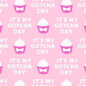 It's my gotcha day - dog bone cupcake - pink - LAD19