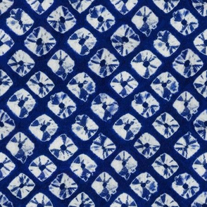 shibori simple squares in indigo