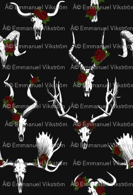 Rskulls-n-roses-spoonflower-black_preview