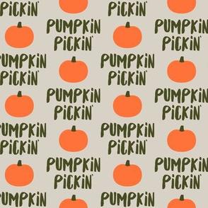 Pumpkin Pickin' - Tan - Fall - LAD19