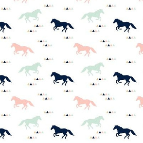 (small scale) wild horses || the briar woods collection C19BS