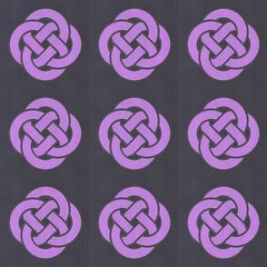 Gravity Grape Center Knot