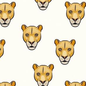 lioness - cream - LAD19