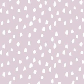 medium // scattered marks white on pale lilac light purple mauve