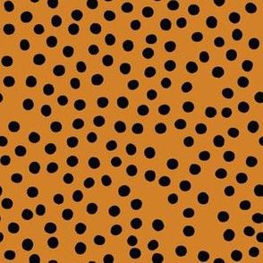 Pumpkin Black Polka-01