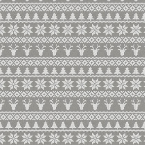 "(3"" scale) fair isle deer (grey) 