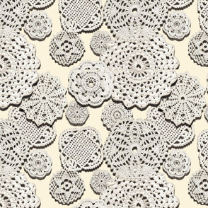 CROCHETED DOILIES (VANILLA)
