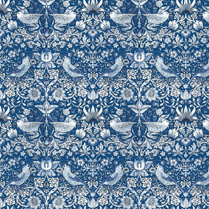 William Morris ~ Strawberry Thief ~ Toujours Blue and White
