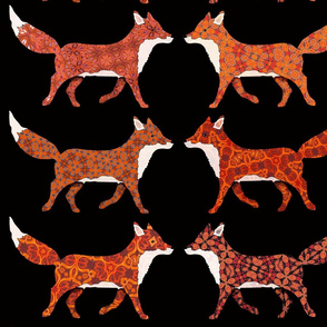 004-281219-09 fox panel on black ground small version for spoonflower